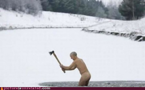 wtf_pics-naked-ice-breaking